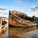 Bienvenue dans les mondes Marins. Ici, le cimetière de bateaux du Magouër du côté d'etal et Plouhinec dans le Morbihan