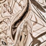 Aberrations photographiques et chromatiques sont au RDV dans cette galerie qui s'enrichit régulièrement. Le métal doré se tord et offre des parenthèses, des instants parfois sacrés et laissent entrevoir entre les lignes diverses formes.