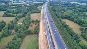 Suivi de chantier sur Nantes. Vue aérienne du chantier de la RN 165, où près de 2 Km de voies vont être aménagées. Les travaux avancent, la deuxième phase vient de commencer.
