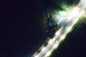Photographie aérienne lors d'un suivi de chantier à La Baule en Loire Atlantique. Objectif de cette mise en lumière, prouver et démontrer les caractéristiques luminescentes de la peinture nommée Vénus et élaborée par Isosign et Miditraçage.