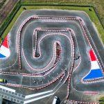 Vue aérienne réalisée lors d'un suivi de chantier en Indre et Loire. le Karting Center de La Ville aux Dames vient d'être fraichement repeint, avec de jolis drapeaux tricolores