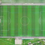 Un terrain de football en synthétique vient d'être construit sur le secteur de Lorient Bois du château. Il est juste derrière le nouveau collège de Tréfaven. Il est couvert de verts étincelants